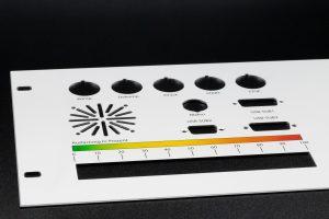 Beispiel einer Frontplatte (Untereloxaldruck)